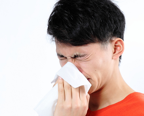 雨の日ほど花粉症がひどい?原因について