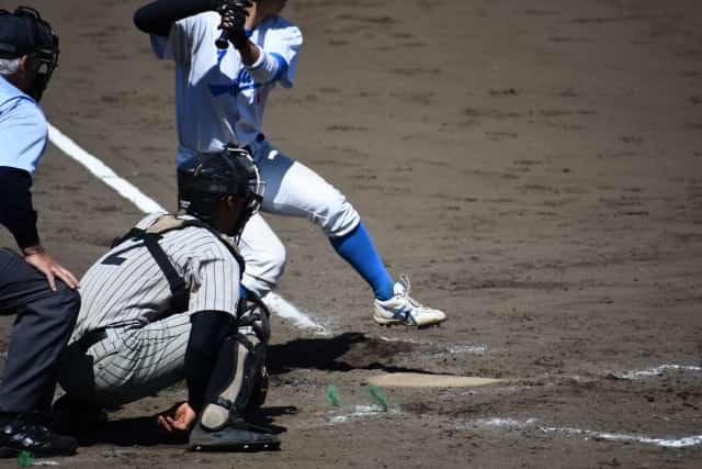 野球の振り逃げのルールで成立する条件とは!バットを振ったかは無関係なの?