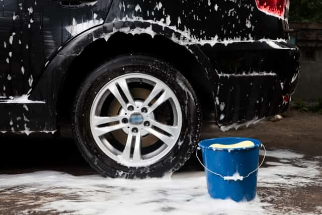 雨の日に洗車がおすすめの理由はコレ!コーティングやワックスはどうするの?