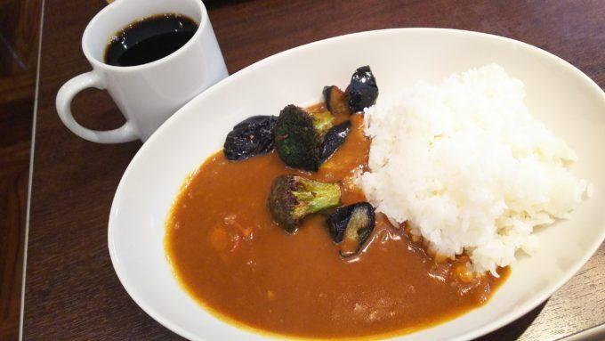 沼津駅南口、商店街のど真ん中にある観光客にも人気のカフェ『やば珈琲』2
