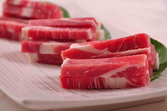 【冷凍肉を解凍】電子レンジと自然解凍どっち?失敗しない保存方法とは