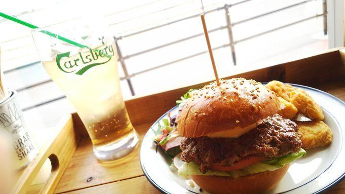 GRATEFUL'Sでハワイの風を感じながら味わう本格派のハンバーガー2
