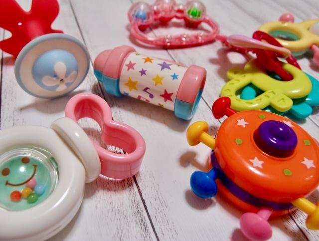 赤ちゃんのおもちゃの消毒はいつまで?除菌する月齢目安や便利グッズ!