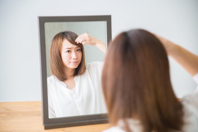 髪ゴムの結び方!ヘアゴムで可愛く前髪アレンジ法や結び目隠すコツは?