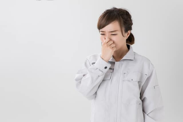 ヒートテックが汗臭い時の臭いの取り方!洗っても臭い時の理由や対処法!