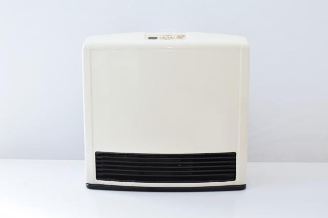ガスファンヒーターとエアコンどっちが安い?電気代を徹底比較!