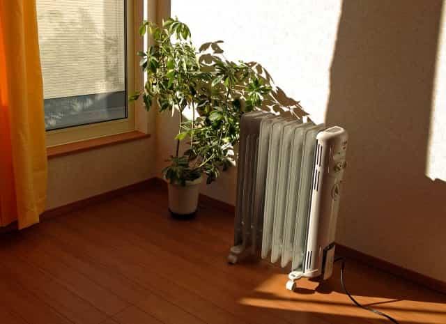 オイルヒーターをつけっぱなし一ヶ月の電気代は?こまめに消すとお得?