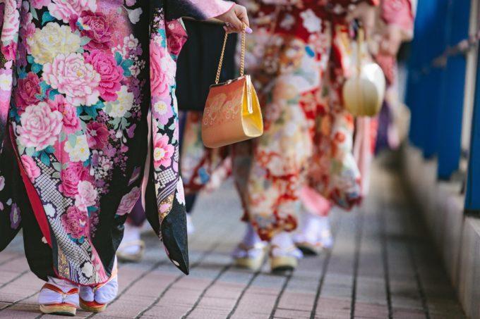 着物の花がわからない!振袖の花柄の種類と花の意味【着物の豆知識】
