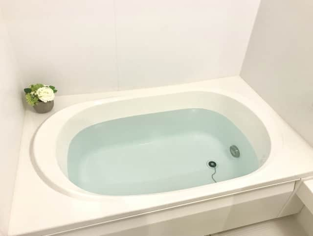 乾燥肌はお風呂に入らないがいいの?効果的な入浴法&お湯で悪化の原因とは!