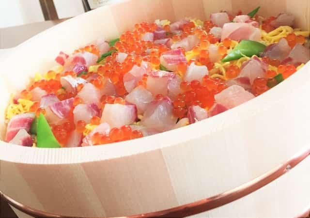 ひな祭りのサイドメニューは?女の子が喜ぶちらし寿司にあうお祝い副菜
