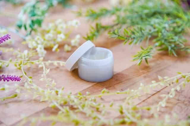 香りが持続するボディークリームで保湿効果も高いプチプラのおすすめは?