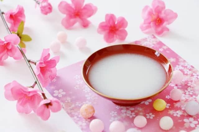 甘酒の効果はいつから実感できる?健康や美容の効果・効能も徹底解説!